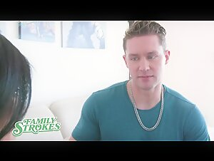 FamilyStrokes - Big Dick Muscle Bro Pounds His Busty Stepsis