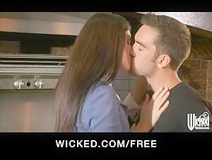 Wicked - HOT soccer mom India Summer fucks her son's friends
